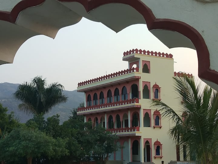 Best Hostel in Pushkar