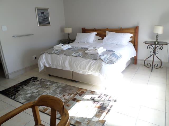Main bedroom Apartment 8