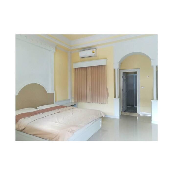 K House - Roman Room