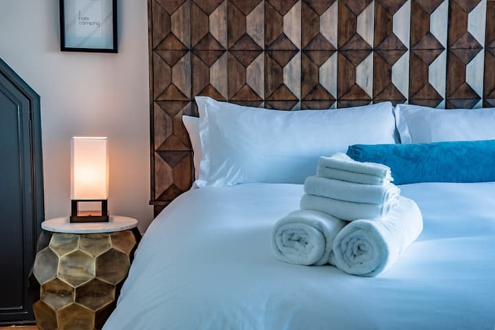 Crow's Nest Suite in Stylish Boutique Hotel