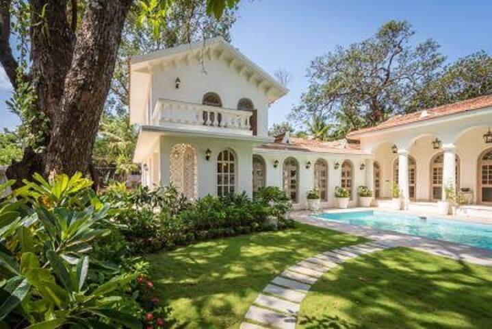 4BHK Luxury Villa Near Vagator Beach - 北ゴア - 別荘