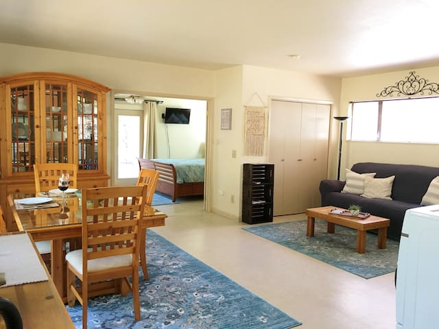 Relax at Sequoia Cottage - Minutes to Sequoia Park