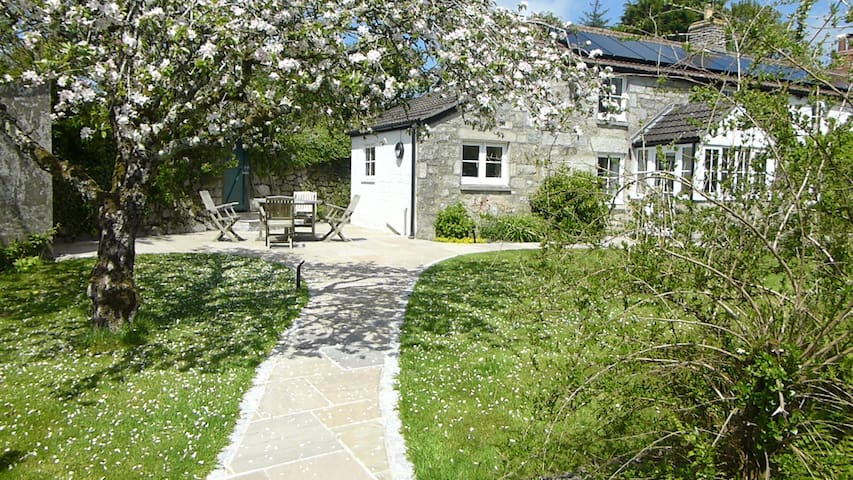 The Cottage at Tresowes Green Cottage