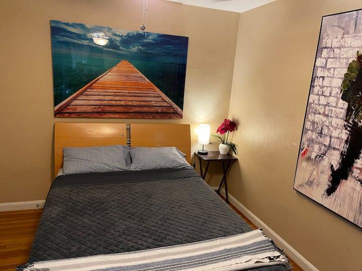 #2 Spacious, quiet, clean bedroom Work appropriate