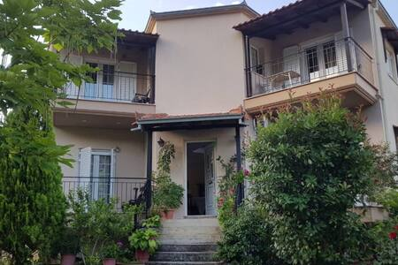 Koulas house  in Diava