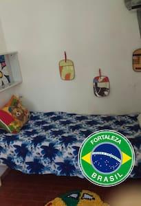 Quarto agradável com banheiro. - Форталеза