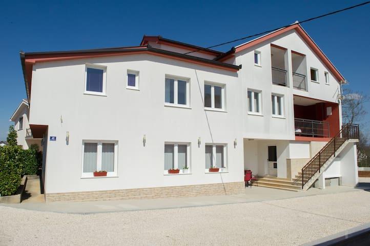 Private Rooms Mica Medjugorje - Međugorje - Casa