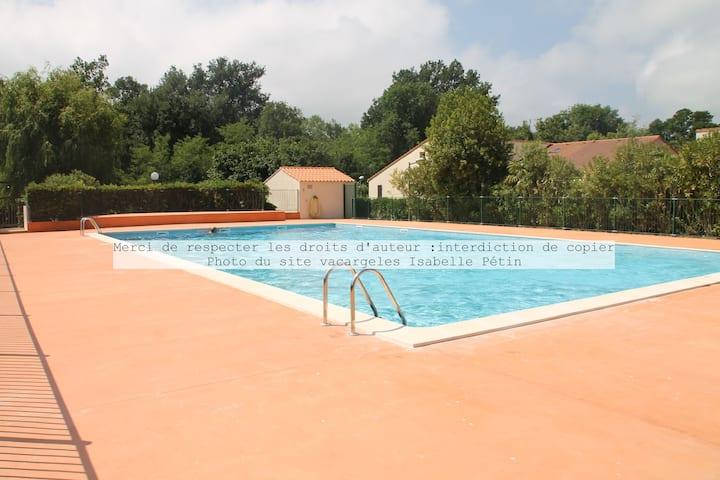 Villa clim tt confort piscine terrasse proche mer