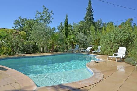 Villa moderne avec piscine privée à Garéoult