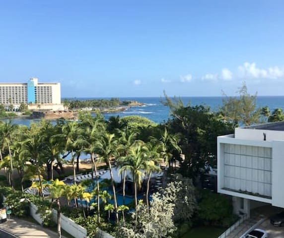 FAMOUS HOTEL AND RESTAURANT STRIP, LAGOON VIEW - San Juan