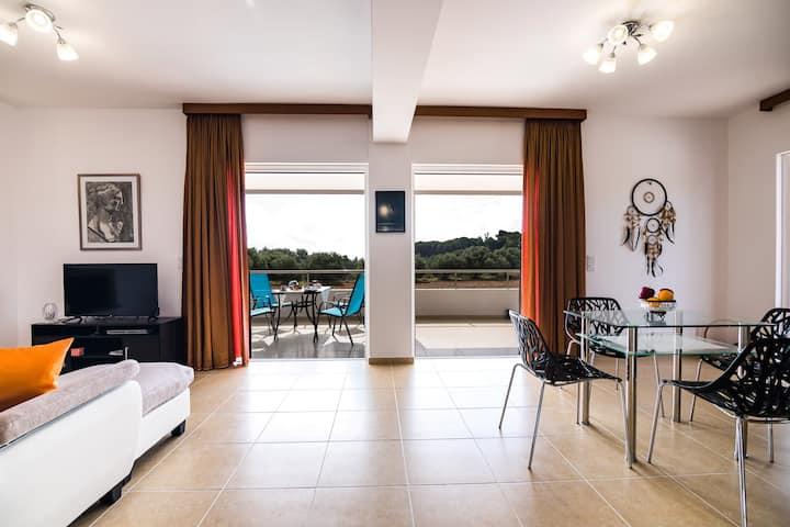 Modern Villa Broumas - A Spacious Haven