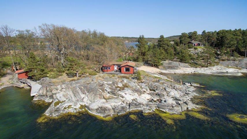 Sjötomt i skärgården med egen båt! Saltsjöbaden. - Nacka Municipality - Dom