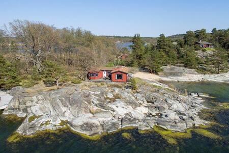 Sjötomt i skärgården med egen båt! Saltsjöbaden. - Nacka Municipality