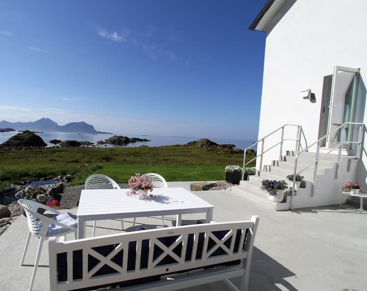 Flott hus med fantastisk utsikt  - Nyksund