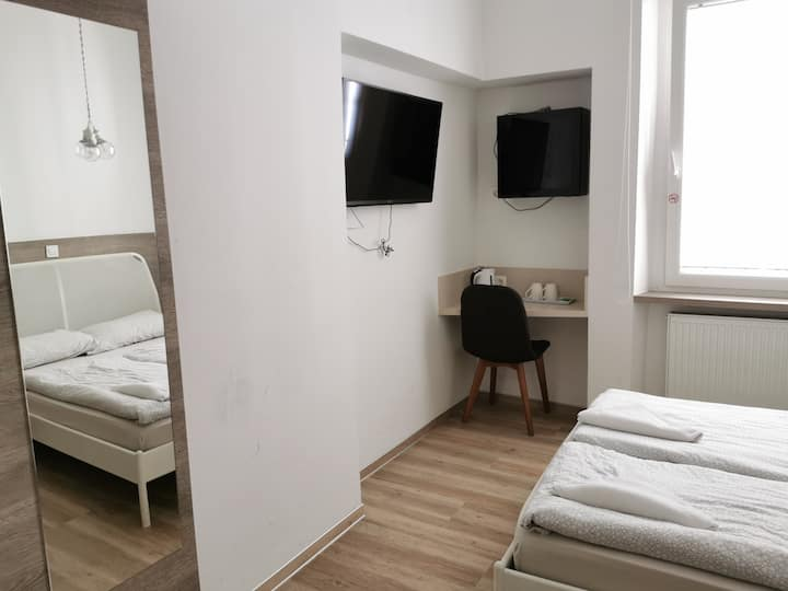 Big closet double room in Ljubljana city centre