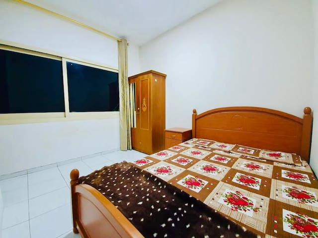 Private Spacious Room Next to Burjuman Mall