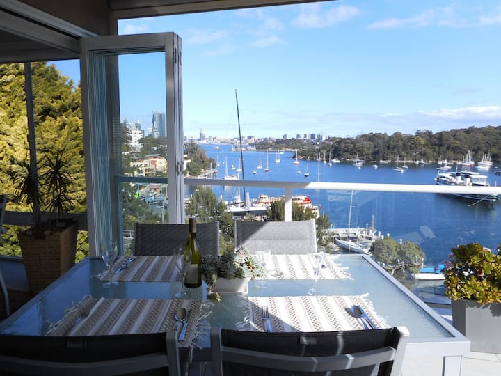 Great Harbour house for 6 - close to City.