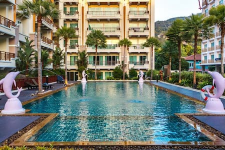 Large 1 bedroom apartment with pool & gym, central Patong! - Patong