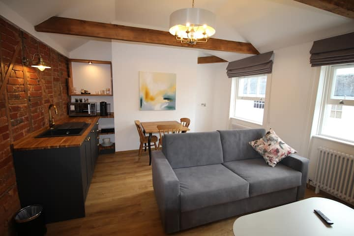 Suite 6 in Canterbury centre, kitchen & laundry