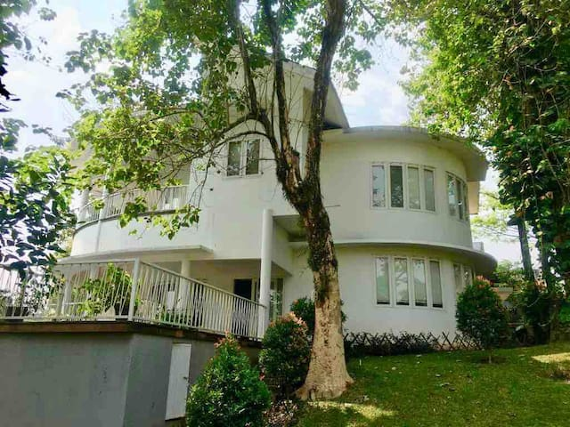 Leyla House Sentul City