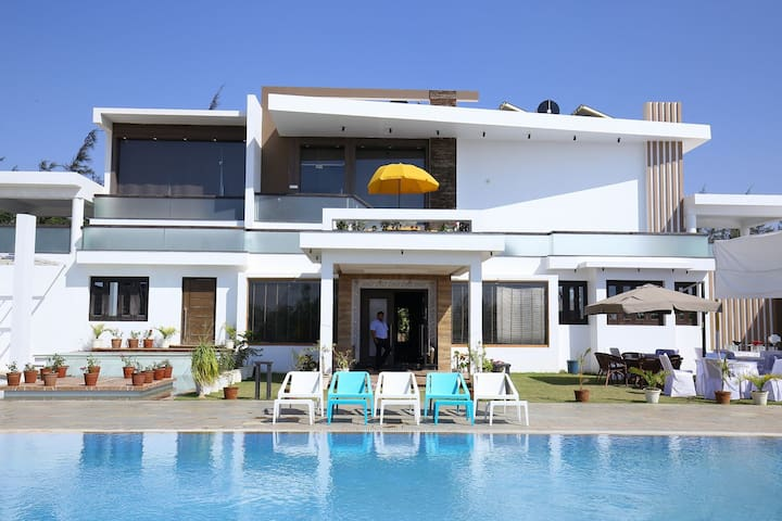 N-villa Luxurious Home stay in Sedata Bhuj Kutchh - Bhuj - Villa
