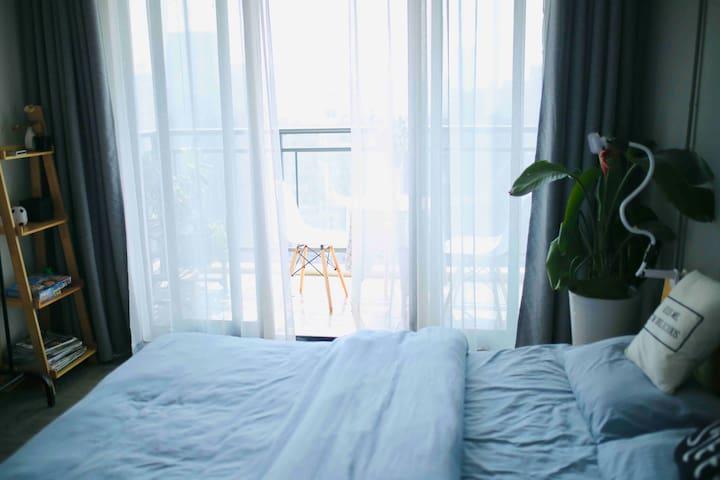 【sine studio】简约风卧室,近贺龙体育馆五一广场地铁口cosy room(客厅有猫)