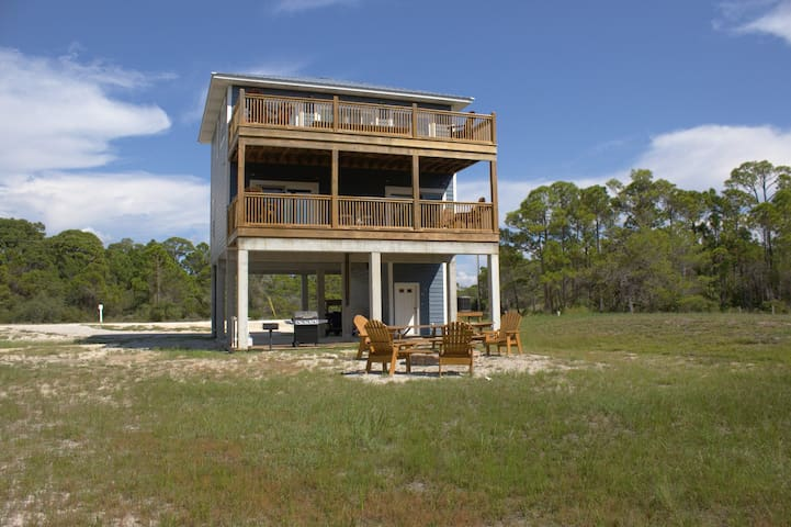 Secluded Beach Home Private Beach and Bay Access - Port Saint Joe - Hus