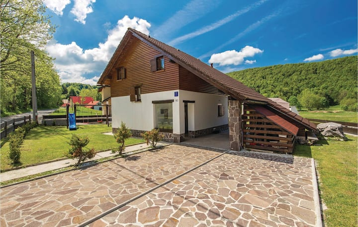Amazing home in Begovo Razdolje with WiFi and 3 Bedrooms