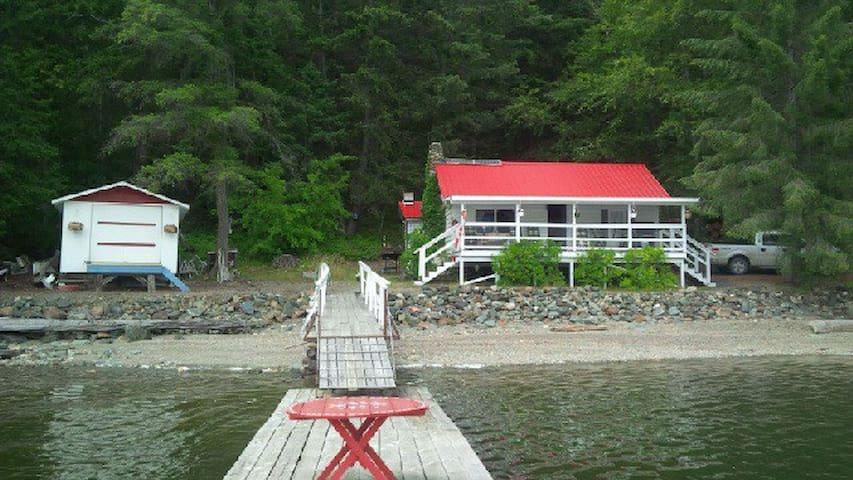 Rustic Cabin/Cottage Adams Lake/agate bay
