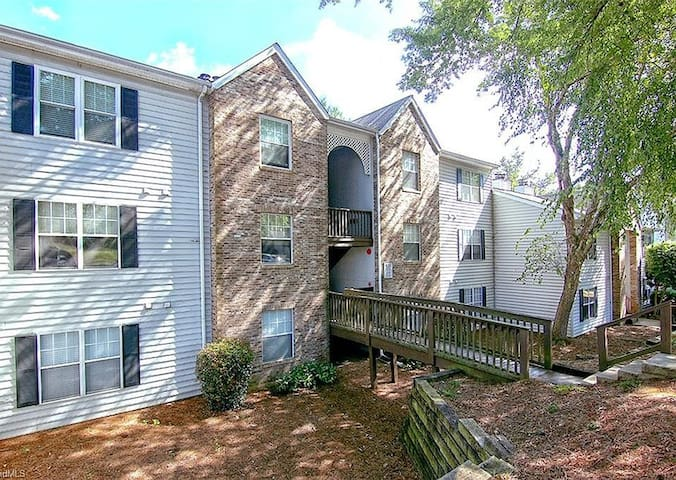Beautiful Townhouse in Clemmons, NC