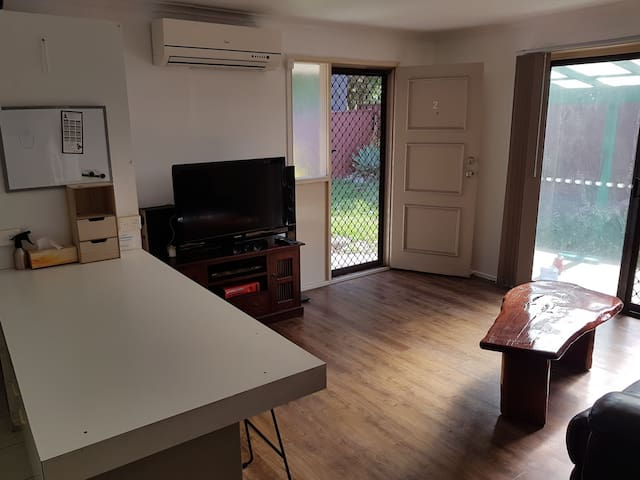 2 Bedroom Duplex Central to all of the Gold Coast