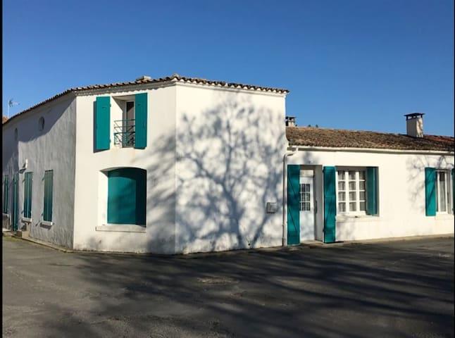 appartement dans maison de pêcheur plein centre - Saint-Georges-d'Oléron - Apartment