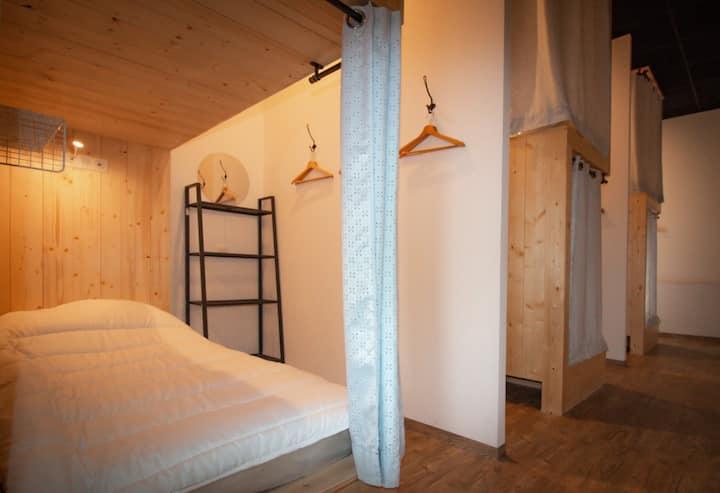 Le Pavillon - 30 EUROS Per Person, Per Night