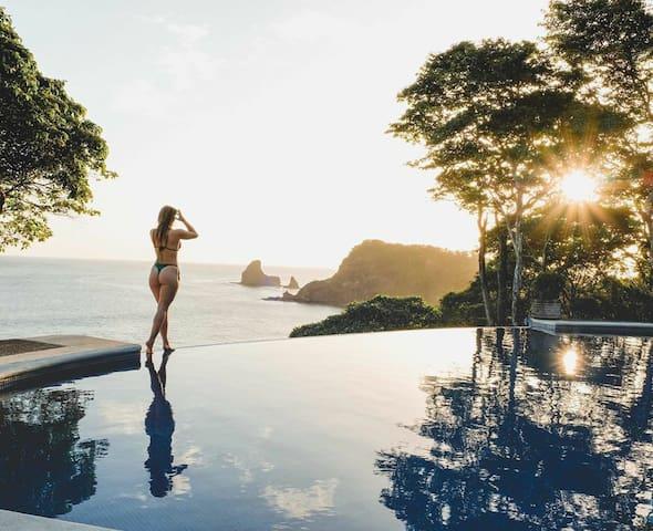 VILLA CARACOL - Room #2 - Beachfront Infinity pool