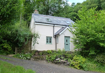 Glandwr Cottage, Talley, Llandeilo