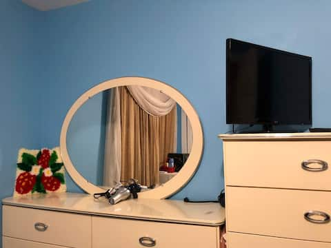 Cozy room with all the amenities!