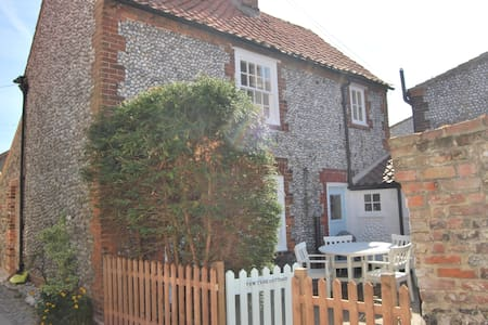 Yew Tree Cottage - Blakeney