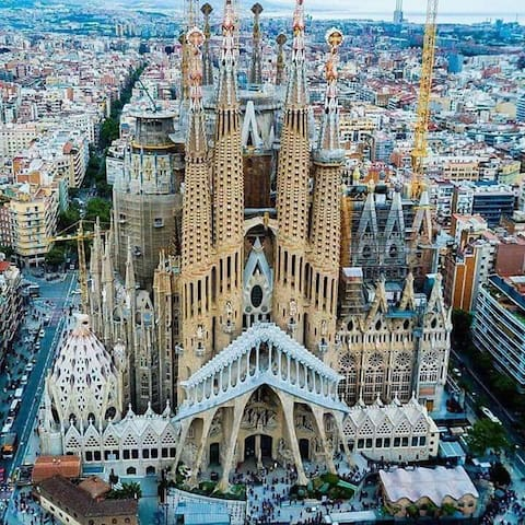 Doublebed+bathroom walkingdistance Sagrada Familia