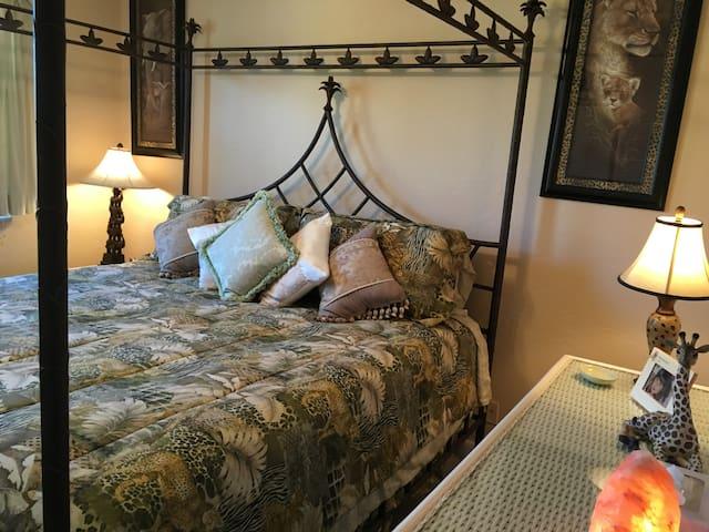 Room,KING,ZenOasis,WalkToBeach&Boardwalk,Breathe - Daytona Beach - Huis