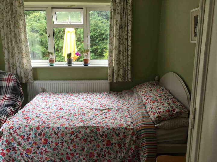 Large single room close to station and town.