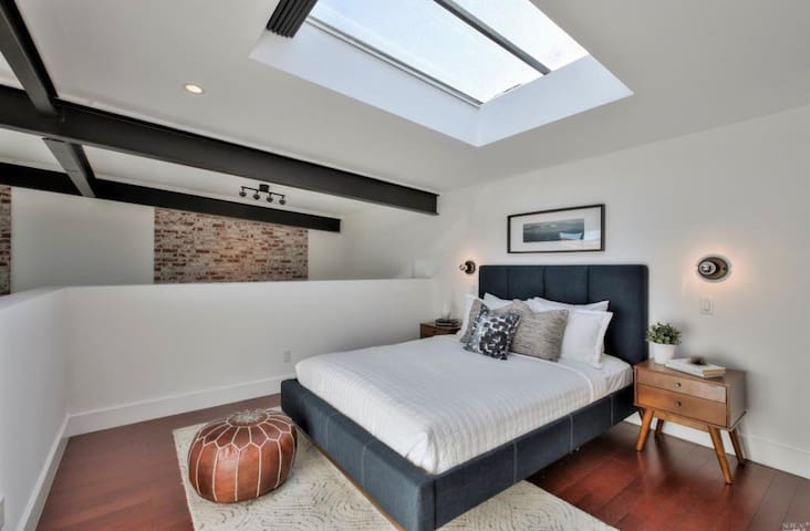 Loft Oasis with Zoom-Ready Office & Home Gym