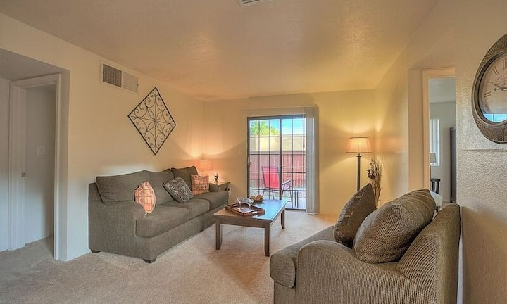 Everything you need   2BR in Rio Rancho