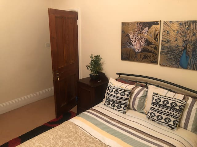 Comfy Double Room in a beautiful Streatham House