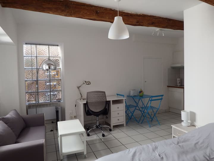 Charming studio1  with long-stay discount