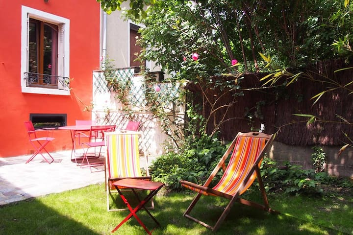Artist loft 100m2 private garden and garage - Montreuil - Loft