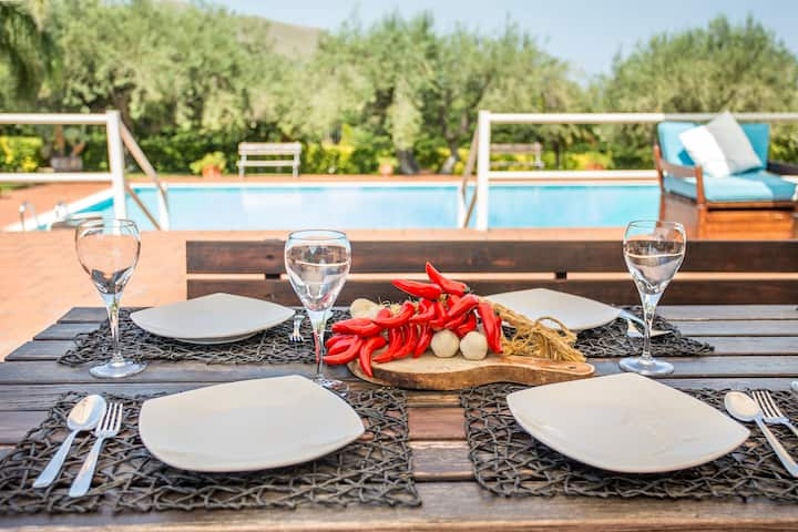 ** Sikelia Luxury Home **  private Pool & Relax