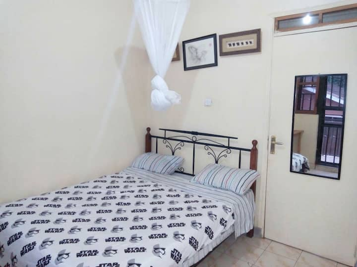 Bright spacious charming rooms