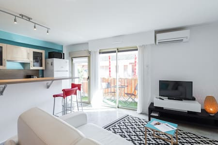 Agreable studio au coeur de Juan +  parking