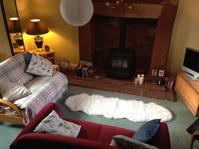Cosy Cumbrian Village Hideaway - Penrith - บ้าน
