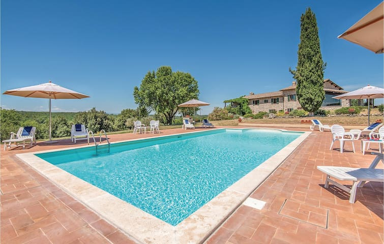 Holiday cottage with 9 bedrooms on 400 m² in Narni (TR)